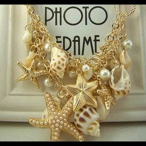 Jewelry - Pretty shell necklace! NEW!